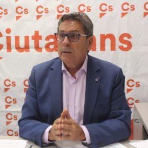 Cs reclama a la alcaldesa Núria Marín que priorice acabar con las escuelas en barracones en lugar de centrarse en proyectos faraónicos y personalistas