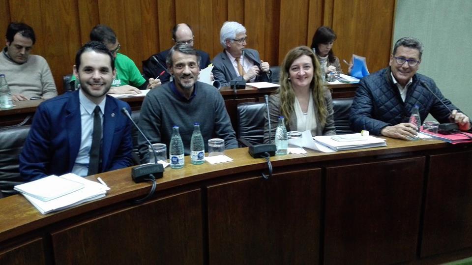 Los cuatro concejales de Cs en l'Hospitalet momentos antes de iniciar el pleno municipal de febrero