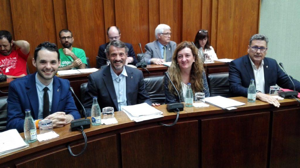 Los cuatro concejales de Cs l'Hospitalet momentos antes de iniciar el pleno municipal de abril