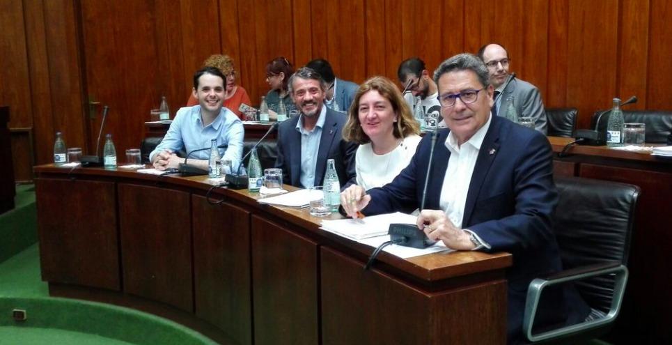 Los cuatro concejales de Cs en l'Hospitalet momentos antes de iniciar el pleno municipal de mayo