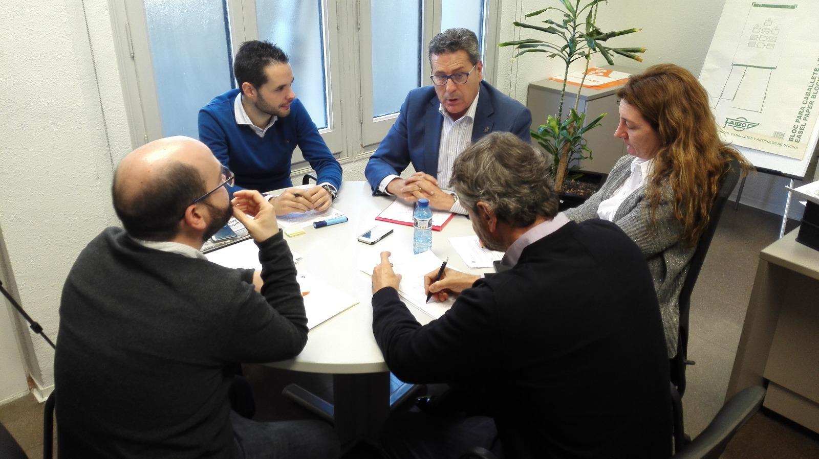 Los concejales del Grupo municipal de Ciudadanos (Cs) en l'Hospitalet de Llobregat