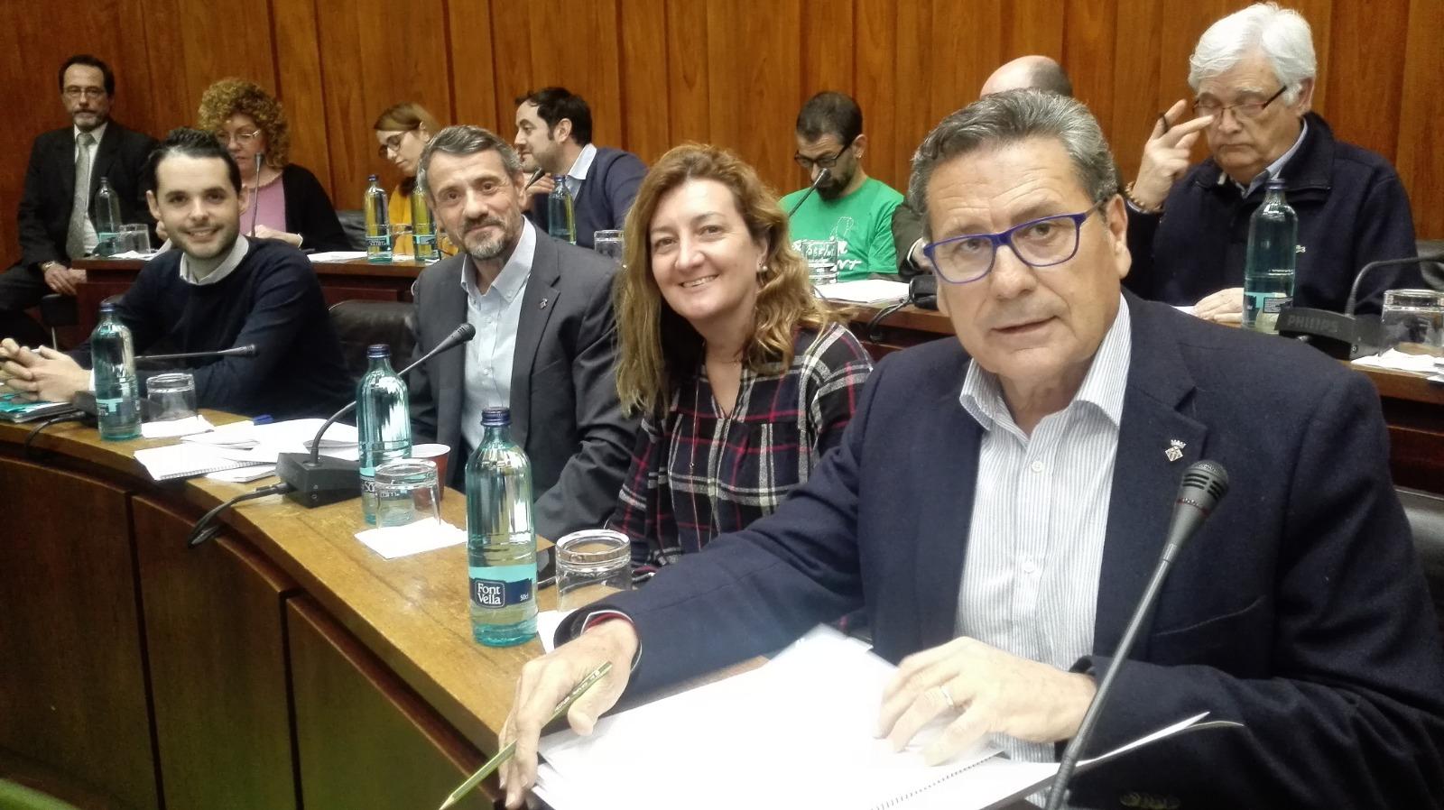 Los cuatro concejales de Cs en l'Hospitalet de Llobregat, momentos antes de iniciar el pleno de febrero