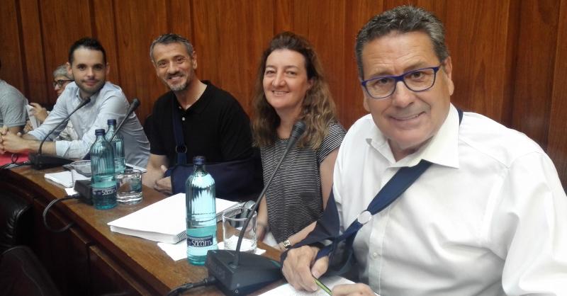 Los cuatro concejales de Cs l'Hospitalet momentos antes de iniciar el pleno de julio